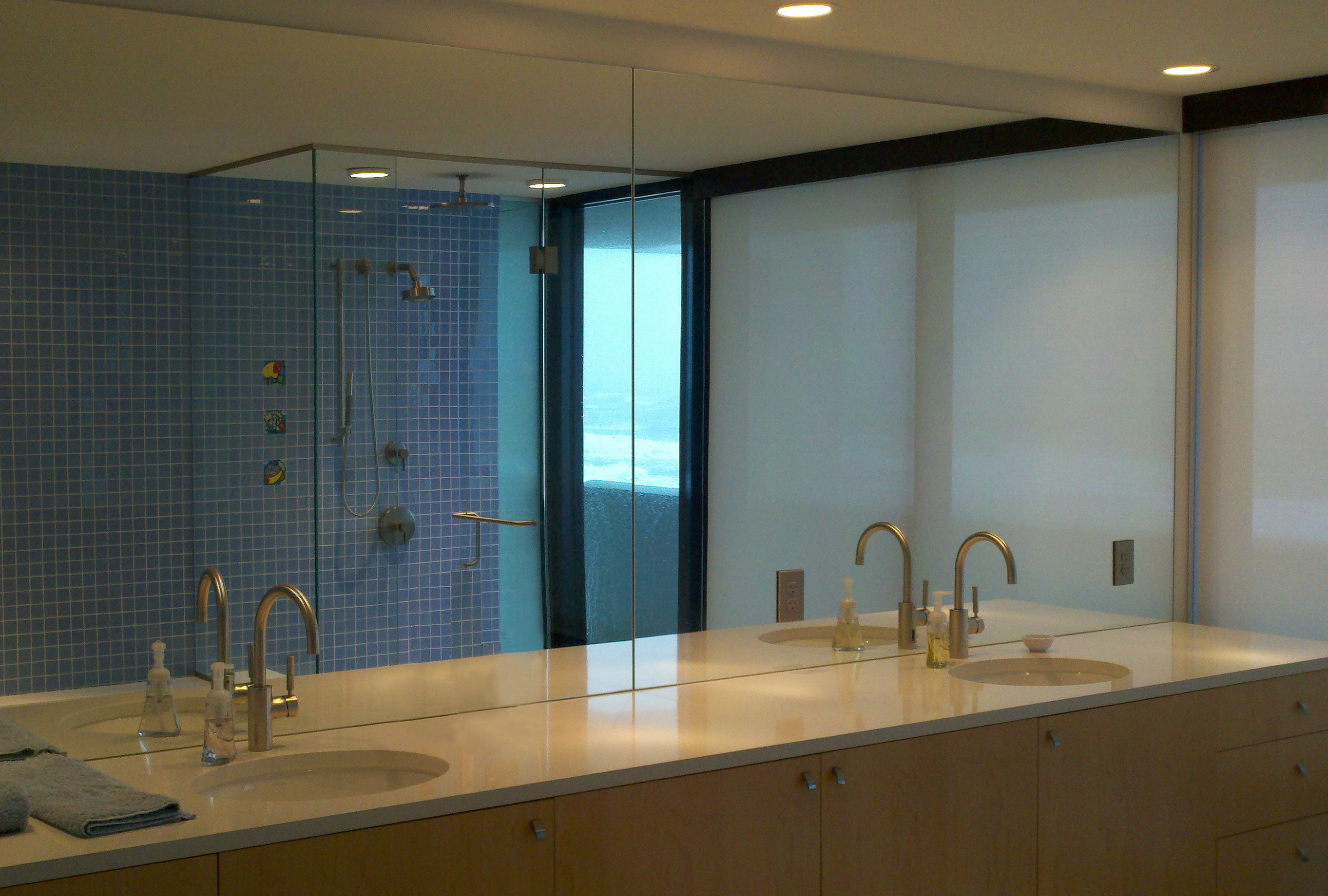 Palm Island Home_Shower and Vanity